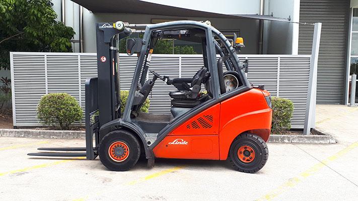 Linde Used Forklift: H30T – U74008Q